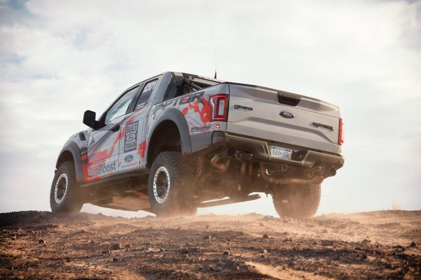 "Ford F-150 Raptor 2017 llega a ""Best in the Desert"" Raptor-Action-25-C1.jpg"
