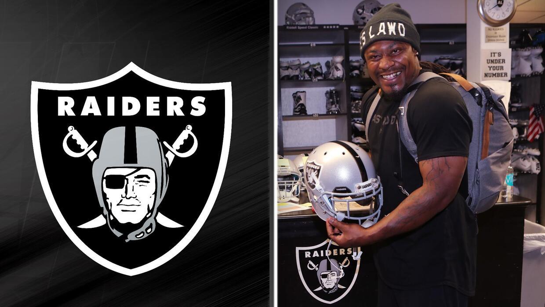 Miren la emoción de Lynch a punto de ponerse el casco de Oakland
