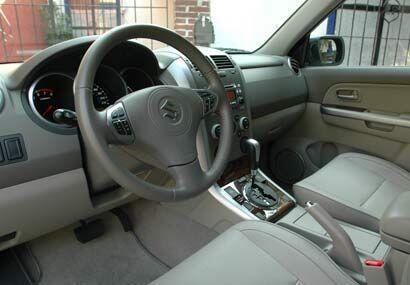 El interior es bastante cómodo y también tiene mejoras para la versión 2...