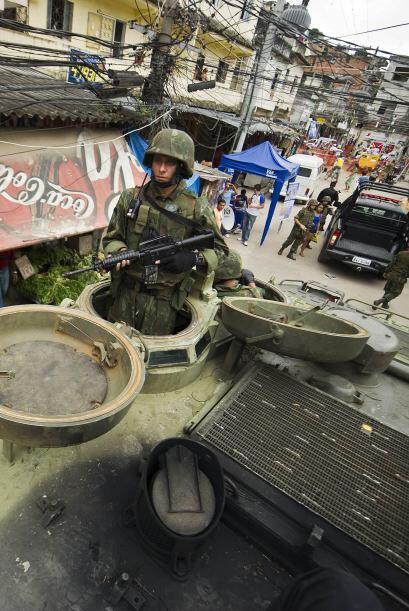 La acción policial con apoyo de blindados militares conquistó la Vila Cr...