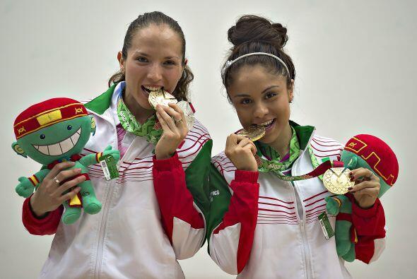 La dupla mexicana conformada por Paola  Longoria y Samantha Salas logr&o...
