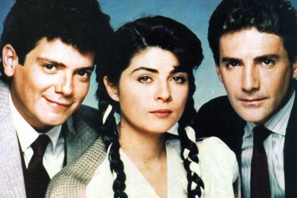 """""""Simplemente María"""" fue una exitosa telenovela que se estrenó en 1989."""