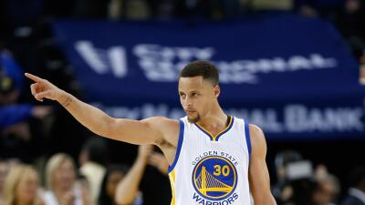 Stephen Curry guió el triunfo de los Warriors