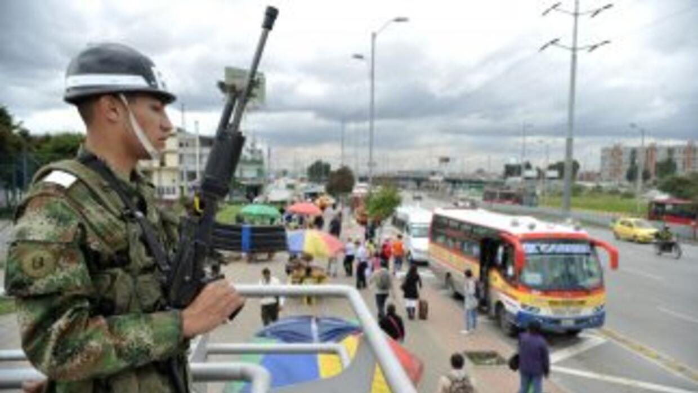 Más de 360 mil militares y policías fueron movilizados para los comicios...