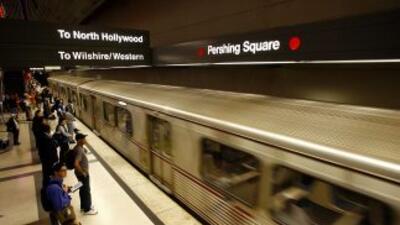 Utiliza el excelente servicio de transporte público de Metro para venir...