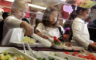 Más de 250 escuelas del HISD estarán ofreciendo desayunos y almuerzos gr...