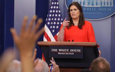 Sarah Huckabee Sanders solía cubrir las vacantes de Spicer, cada...