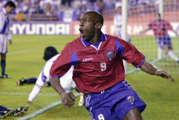 Wanchope grita su gol ante Guatemala, luego sería goleada 'tica' y pasaj...