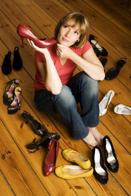 De ser posible compra los zapatos por la tarde, que es cuando tus pies p...