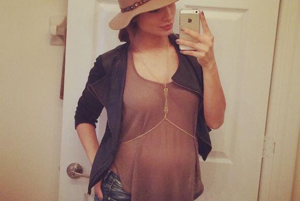 La guapa mexicana atraviesa la semana 26 de embarazo...
