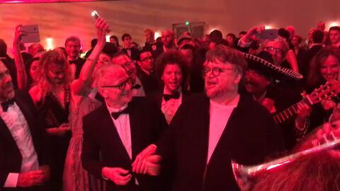 En video: Estrellas del cine mexicano cantan las clásicas rancheras en C...