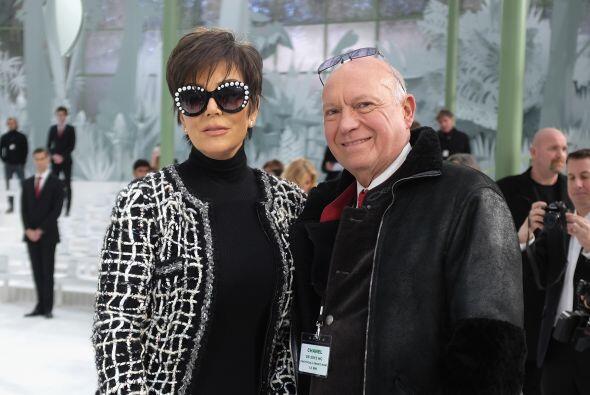 ¡Ah!, señora Kris Jenner, de espaldas casi no la reconocíamos.