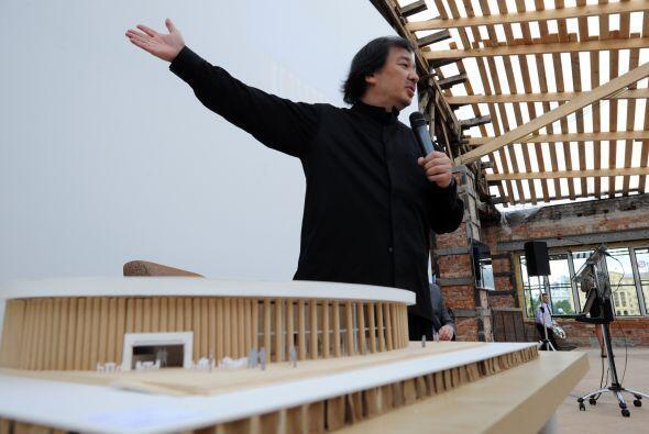 Otro de sus proyectos incluyen una galería temporal en la capital...