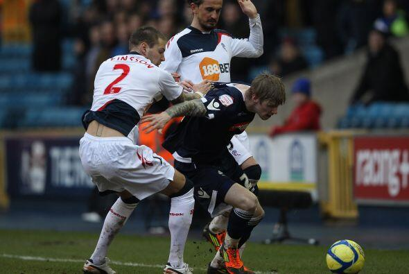 Por otra parte, el Bolton se hizo fuerte jugando de visitante y venció a...