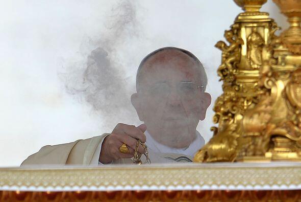 El gran éxito de Francisco ha sido combinar la solemnidad con la...