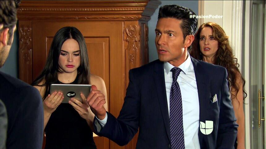 ¡Regina y David son la pareja escándalo! 1A8C8EF6BDF44EACA1BDD0E1EA5D3A3...
