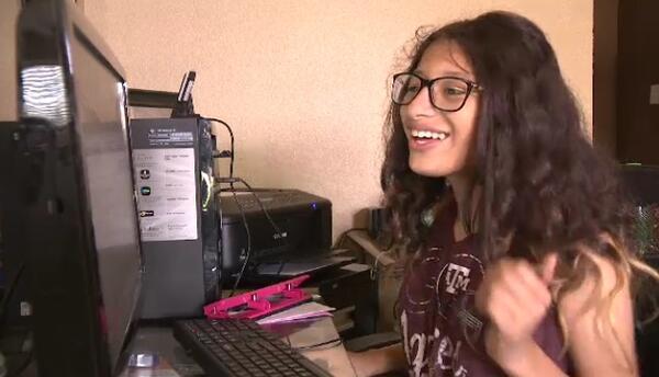 A Roxy Castro le encanta la edición digital y le gustaría ser periodista...