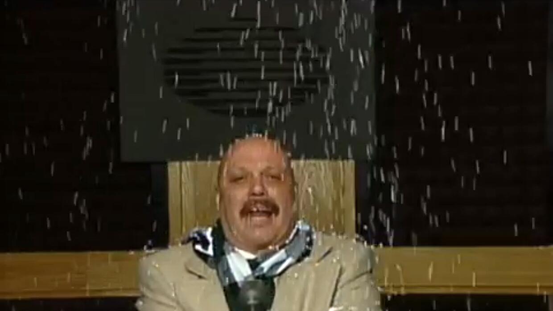 "El ""Perro Bermudez"", se echa una cascarita al Derbez"