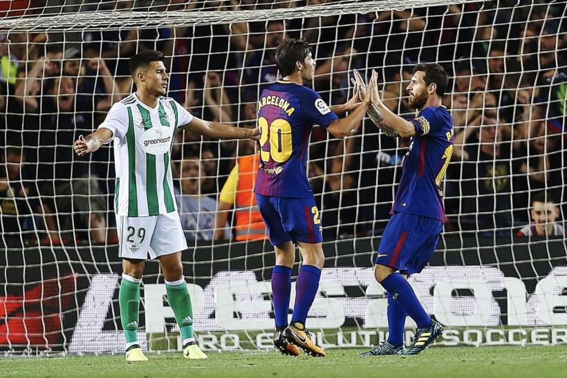Al minuto 39 volvería a marcar el Barça. Deuofeu por derecha, centro al...