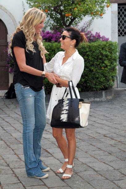 Melanie se encontró en Sicilia con una de sus mejores amigas, la también...