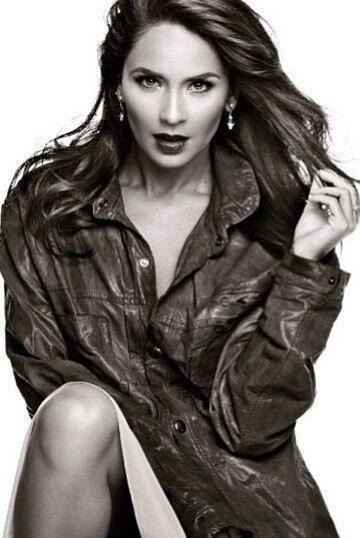 Provocativa es el segundo nombre de Adriana Louvier.