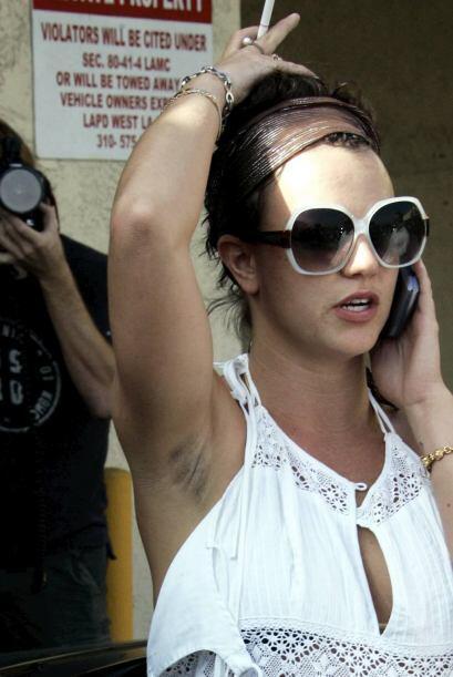 Y no conforme con todo eso, Britney se ha dejado ver con las axilas desa...