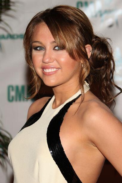 Miley siempre ha elegido peinados modernos, coquetos y muy juveniles, ya...