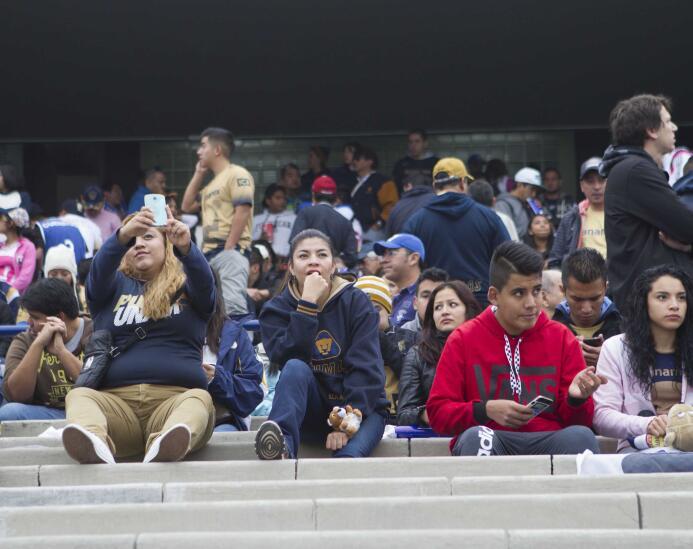 Colorido de afición en semis de Liga MX