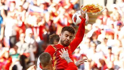 Memelogía | La mano de Piqué y más memes de la eliminación de España en Rusia 2018