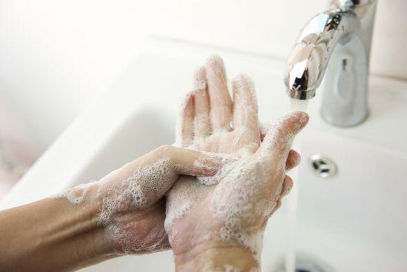 Lava tus manos con frecuencia. Siguiendo con las medidas de prevenci&oac...