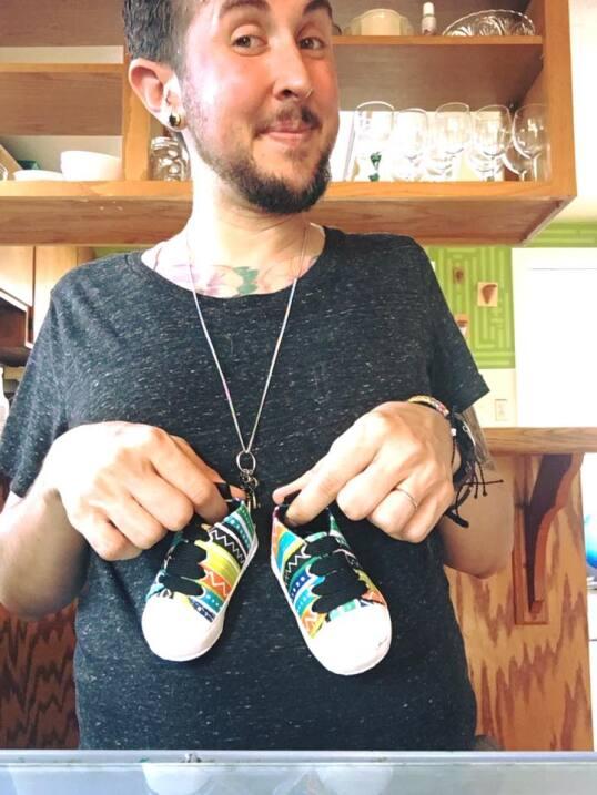 Un hombre trans embarazado de su marido da a luz a un niño biff-5.jpg