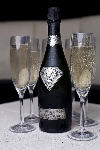 Si quieres lucirte de otra manera, podrías optar por uno de los champagn...