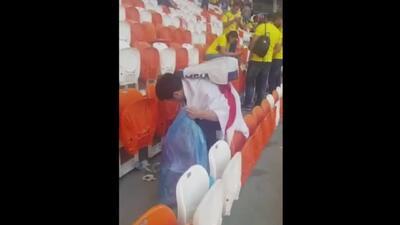 El asombro de este colombiano al ver a los hinchas japoneses recoger basura tras el partido Colombia-Japón