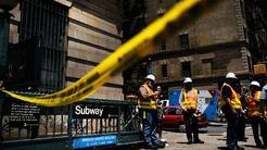 Caos en el metro de Nueva York tras el descarrilamiento de un tren en Ha...