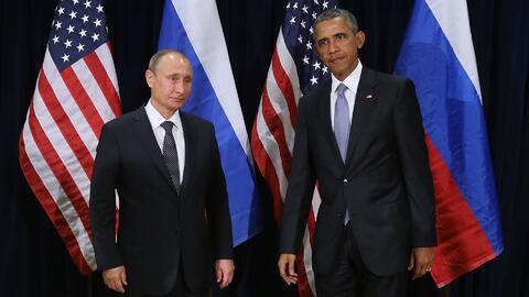 Barack Obama y Vladimir Putin enfrentan problemas internacionales