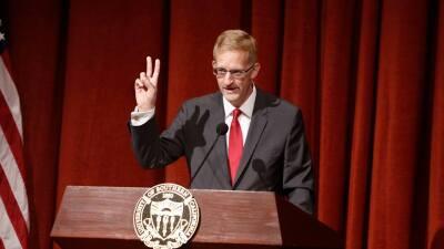 Andrew Guzmán es el primer hispano decano de la Escuela de Derecho de USC