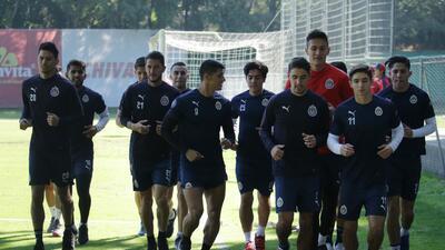 Chivas de Guadalajara ajusta sus piezas para mantener su rendimiento perfecto en Liga MX