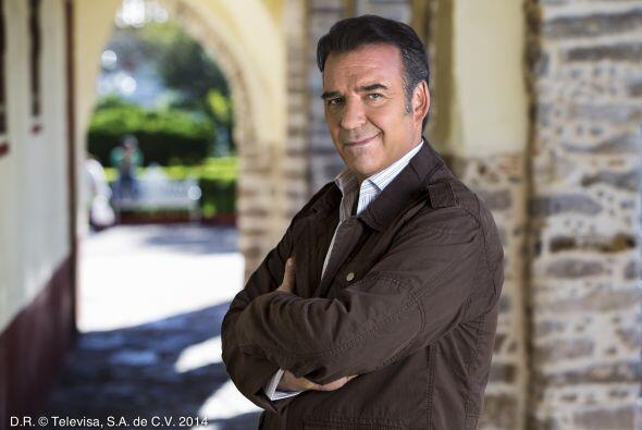 """Luis Xavier es """"Humberto Zapata"""", el doctor de """"Santa Lucía"""". Tiene un p..."""