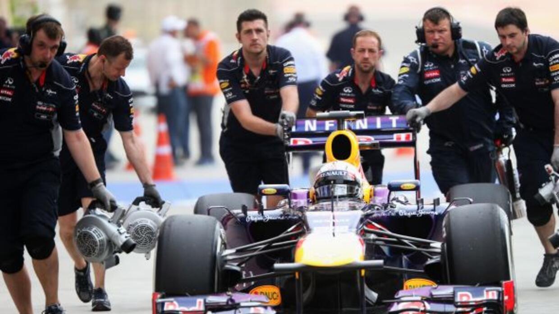 """Jefe de la escudería Red Bull: """"Cuatro paradas en una carrera es demasia..."""
