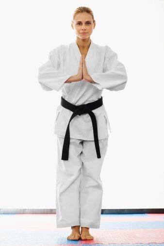 ¡Practicar algún arte marcial como el karate te ayudará a obtener la fig...