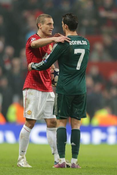 Saludos de los jugadores del manchester United con su ex compañero Crist...