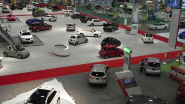 Vista de la exhibición principal del Miami International Auto Show, 2012