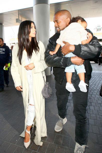 Kim, Kanye y Nori aparecieron en el aeropuerto de Los Ángeles, li...