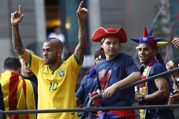 Los jugadores Blaugranas recorrieron las calles de Barcelona y después l...