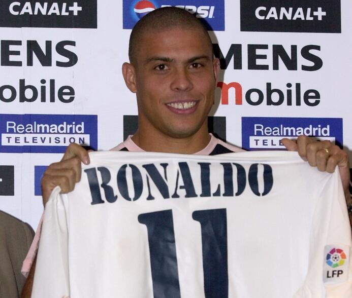 El fichaje de último momento, de mayor repercusión, ha sido el Ronaldo a...
