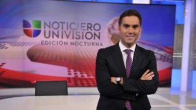 El periodista Enrique Acevedo, presentador del Noticiero Univision Edici...