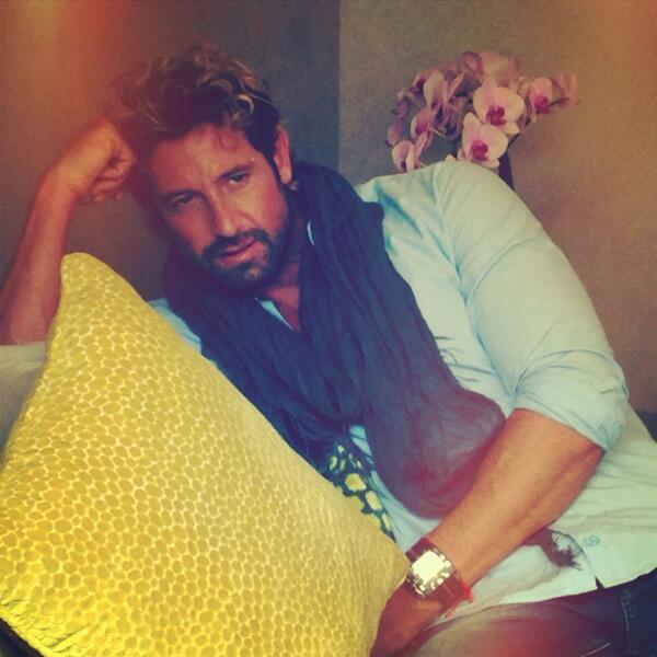 Gabriel Soto robó y robó suspiros en 'Yo No Creo En Los Hombres' Bmkyou0...