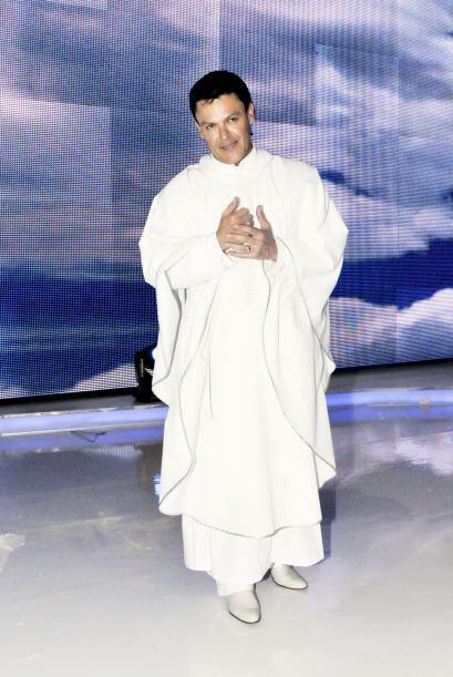 Pedro Fernández llegó como todo un sacerdote. Y es que Salvador, su pers...