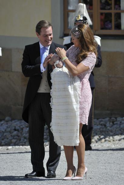 La bella princesa llevó el mismo vestido que lució en su b...