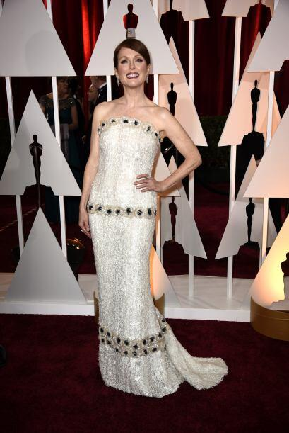 O un glamuroso vestido al estilo de los Oscar, como Julianne Moore.